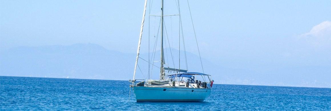 Tour de Corse à la voile - Voilier Luckystar