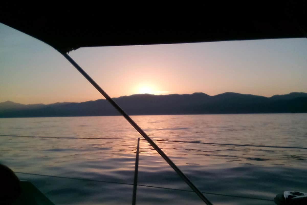 coucher-de-soleil-location-voilier-diamant-bleu-14