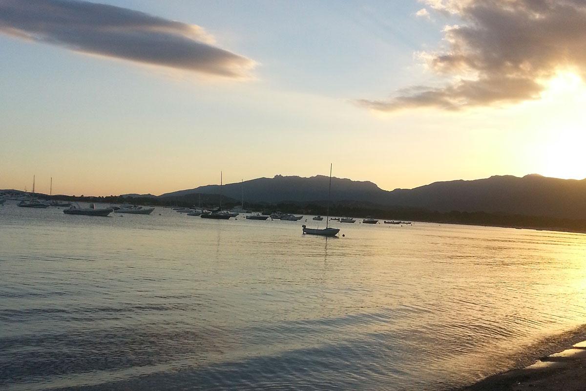 coucher-de-soleil-location-voilier-diamant-bleu-17
