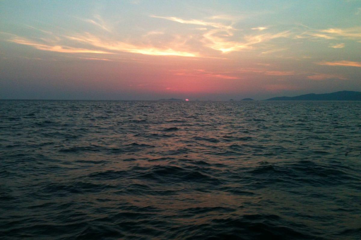 coucher-de-soleil-location-voilier-diamant-bleu-9